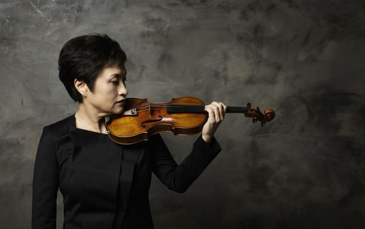 Violinist Chung Kyung-wha and pianist Kevin Kenner will hold three concerts featuring the complete Brahms violin sonatas. Courtesy of Kang Tae-wook
