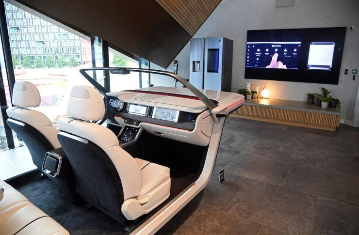 A general view shows a concept vehicle with a digital dashboard at the Samsung Experience Store space during a product launch for the Samsung Galaxy Note 10 in London, Britain, August 5, 2019. Reuters