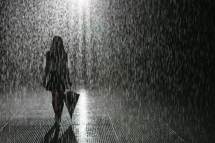 London-based art collective Random International presents immersive installation 'Rain Room' for the first time in Korea at the Museum of Contemporary Art Busan through Jan. 27, 2020. Courtesy of MoCA Busan