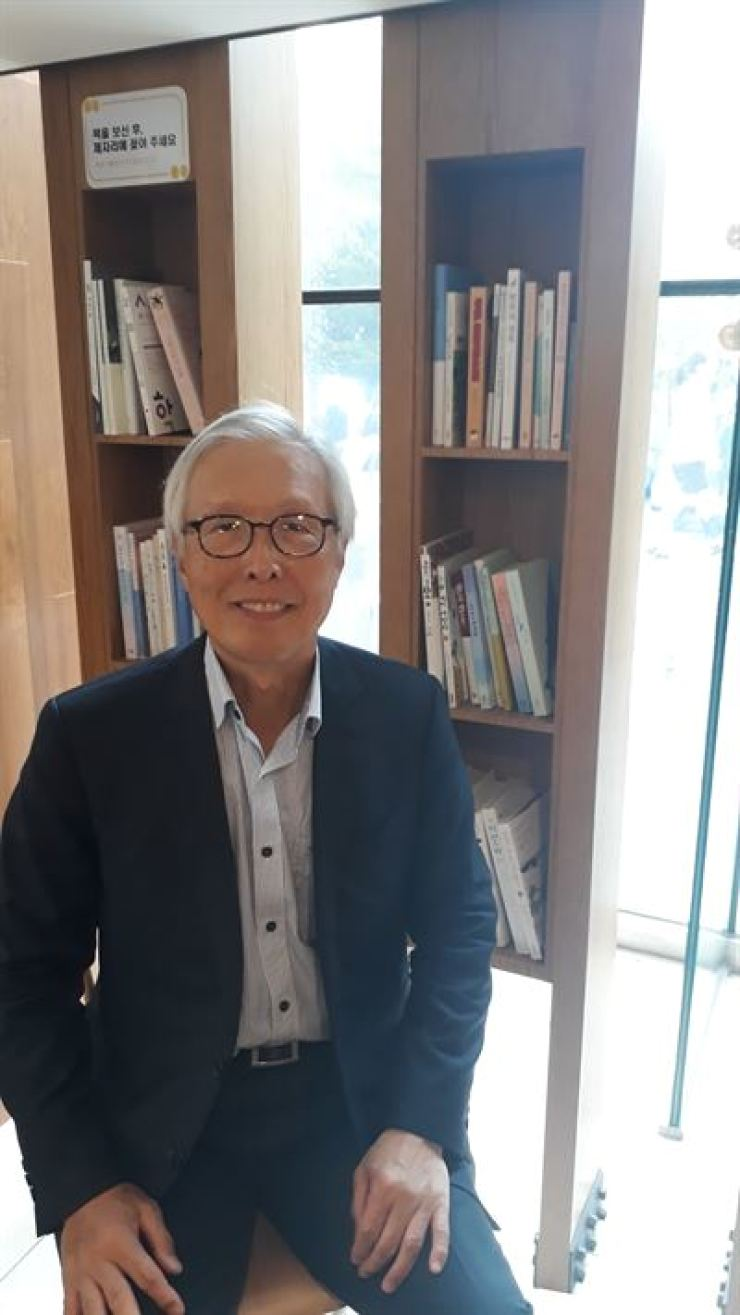 Former Korean Ambassador to Japan Shin Kak-soo poses at a cafe in Seocho-gu, Seoul, on Aug. 12, during an interview with The Korea Times. Korea Times photo by Do Je-hae