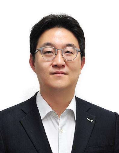 Woongjin Group Chairman Yoon Seok-kum