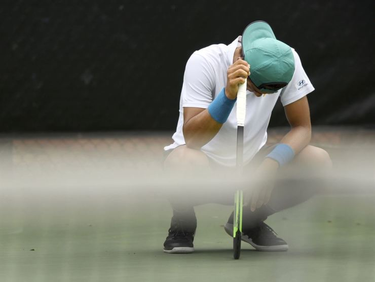 Lee Duck-hee, of South Korea, reacts after losing a point to Hubert Hurkacz, of Poland, at the Winston-Salem Open tennis tournament Tuesday, Aug. 20, 2019, in Winston-Salem, N.C. AP-Yonhap
