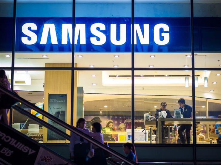 A Samsung store in Bangkok / Gettyimagesbank