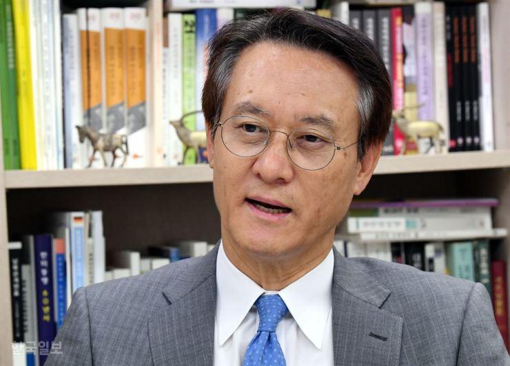 Former Ambassador to Japan Lee Su-hoon, professor of Kyungnam University / Korea Times photo by Ko Young-kwon
