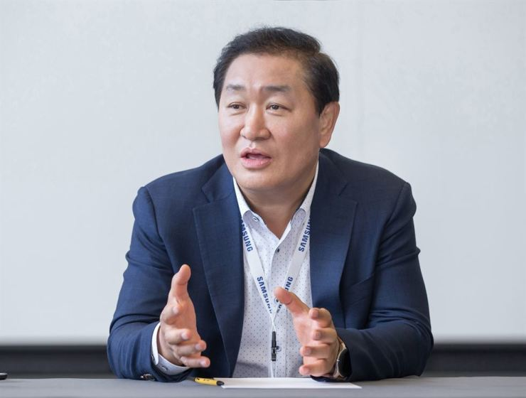 Han Jong-hee speaks during a press conference at the IFA trade fair, Berlin, Friday. / Courtesy of Samsung Electronics