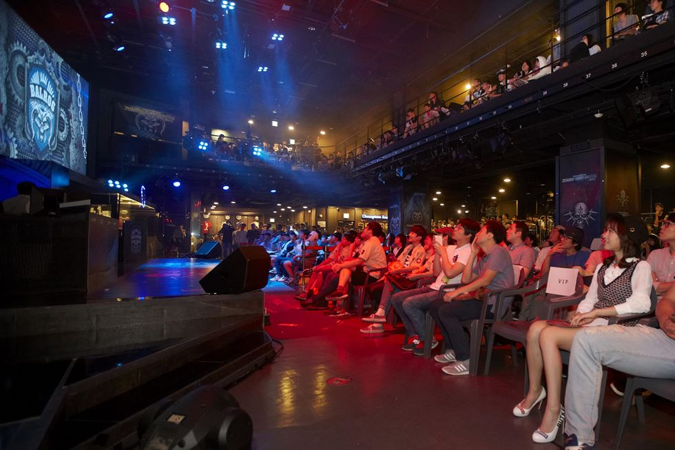 People watch a 'League of Legends' Champions Korea match at LOL Park in Seoul. / Courtesy of Riot Korea