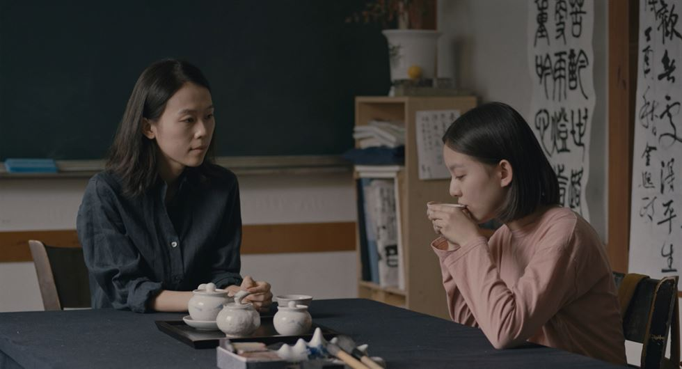 The coming-of-age film 'House of Hummingbird' takes viewers on a journey of hope through the story of 14-year-old Eun-hee, played by Park Ji-hoo, amid crisis. / Courtesy of ATNINEFILM