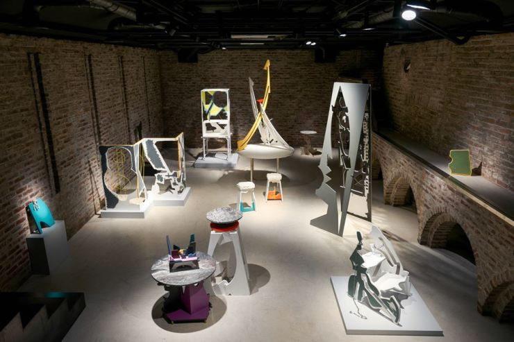 Installation view of 'Furniture' by Gwon O-sang and Kim Min-ki at Arario Museum in Space / Courtesy of Arario Museum