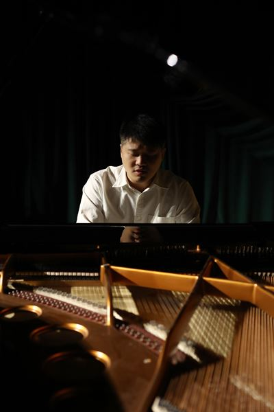 Pianist Lim Dong-min performs Chopin's 'Scherzos No. 4 in E Major, Op.54' during a press conference held at Stradium in Seoul, Tuesday. Courtesy of BOM Arts Project