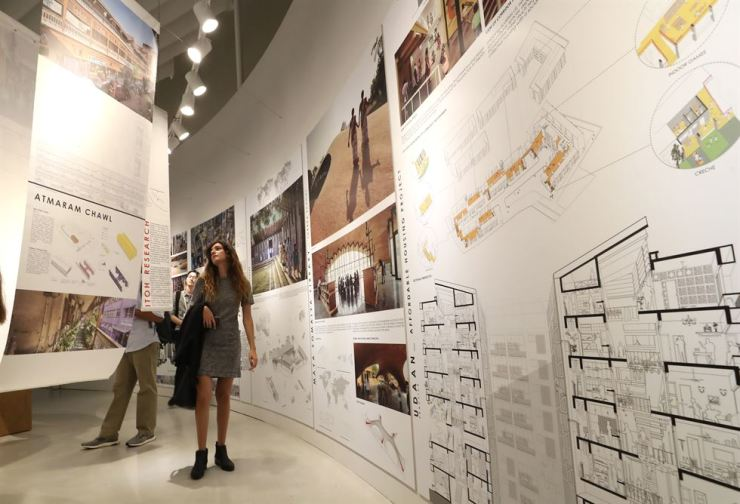 Guests walk through the DDP thematic exhibition at the 2019 Seoul Biennale of Architecture and Urbanism, Sept. 5, during a pre-opening tour. Yonhap