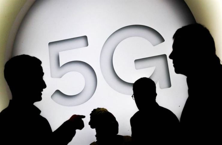 The number of 5G users in Korea reached 1.91 million as of the end of July, adding 574,840 from a month ago, according to the data compiled by the government. Reuters