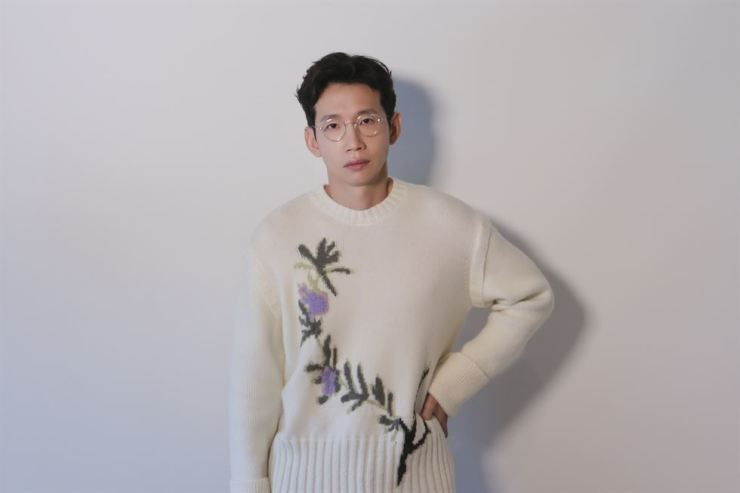 Veteran actor Bong Tae-gyu recently had an interview with The Korea Times and other media outlets at a cafe in Mugyo-dong, western Seoul. Courtesy of iMe Korea