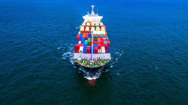 Korea's exports sank 11.7 percent last month from a year earlier, extending their slump to a 10th consecutive month. Gettyimagesbank