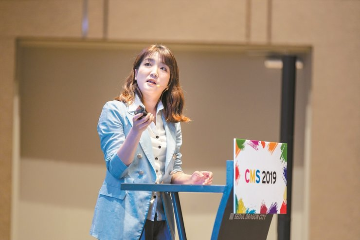 RocketView CEO Kim Hwa-kyung gives a speech at the Contents Marketing Summit 2019 held from Sept. 24 to 27. Courtesy of Kim Hwa-kyung