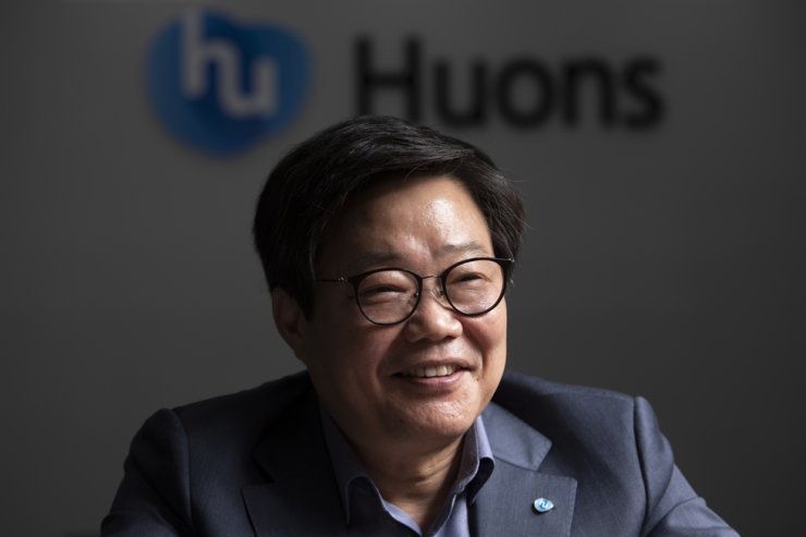 Huons CEO Um Key-an speaks during an interview with The Korea Times at the pharmaceutical firm's headquarters in Seongnam, Gyeonggi Province, Oct. 2. Korea Times photo by Choi Won-suk