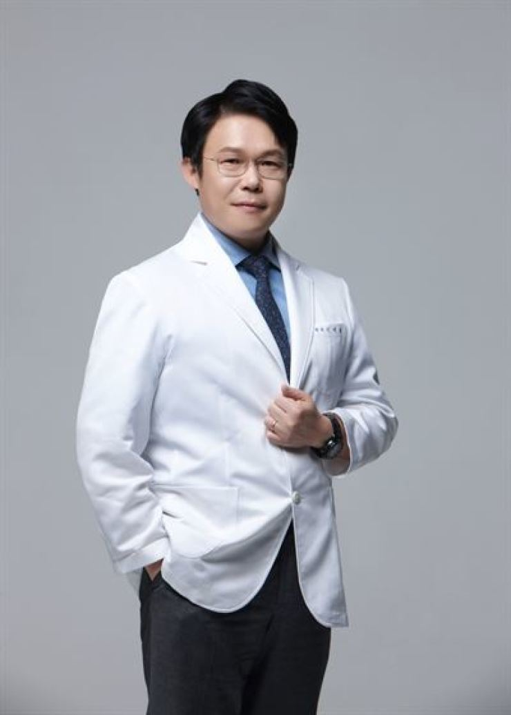 In Sung-il, the dermatologist at Charm Skin Clinic / Courtesy of Charm Skin Clinic