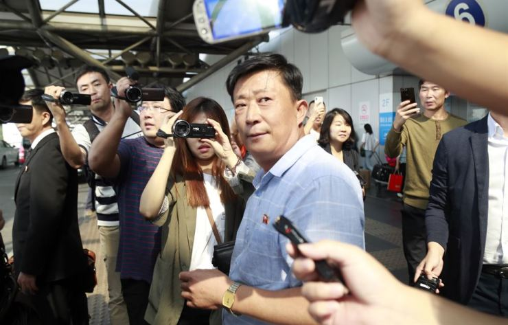 Jo Chol-su, chief of the North Korean Foreign Ministry's North American Affairs Division who is also among a four-member North Korean denuclearization talks delegation led by chief negotiator Kim Myong-gil, was spotted at Beijing Capital International Airport, Thursday. Yonhap