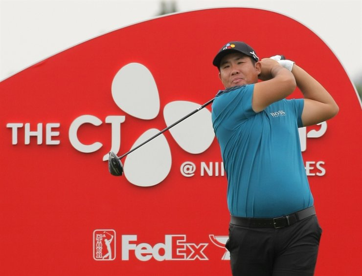 Korean golfer An Byeong-hun makes a tee shot from the ninth hole during the CJ Cup Tour on Jeju Island, Thursday. Yonhap