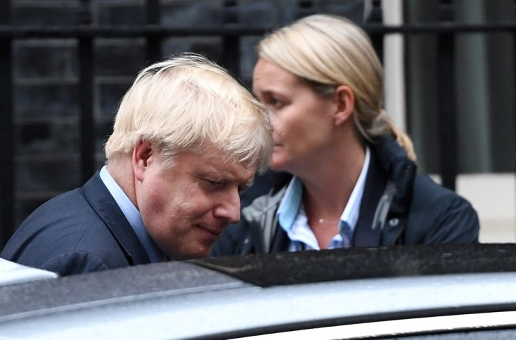 British Prime Minister Boris Johnson leaves a cabinet meeting at 10 Downing Street in London, Britain, Oct. 24, 2019. EPA-Yonhap