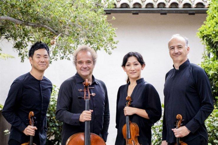Korea's beloved violist Richard Yongjae O'Neill, left, will join the Takacs Quartet next June. The famous quartet as established in Budapest in 1975. Courtesy of CREDIA