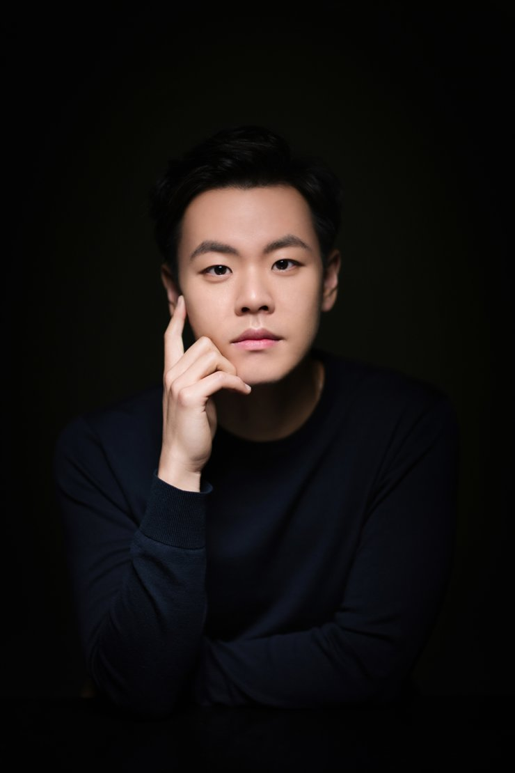 Pianist Kim Tae-hyung will be one of the next performers featured in this series./Courtesy of Kumho Art Hall Yonsei ⓒ ArtN