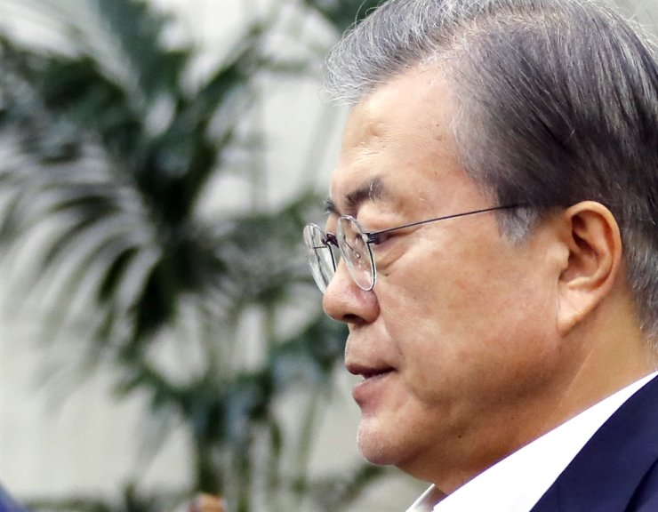 President Moon Jae-in has no plan to attend the Japanese emperor's enthronement ceremony. Yonhap