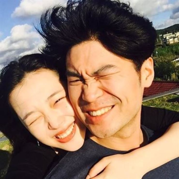 Sulli, left, and Choiza. Sulli's Instagram