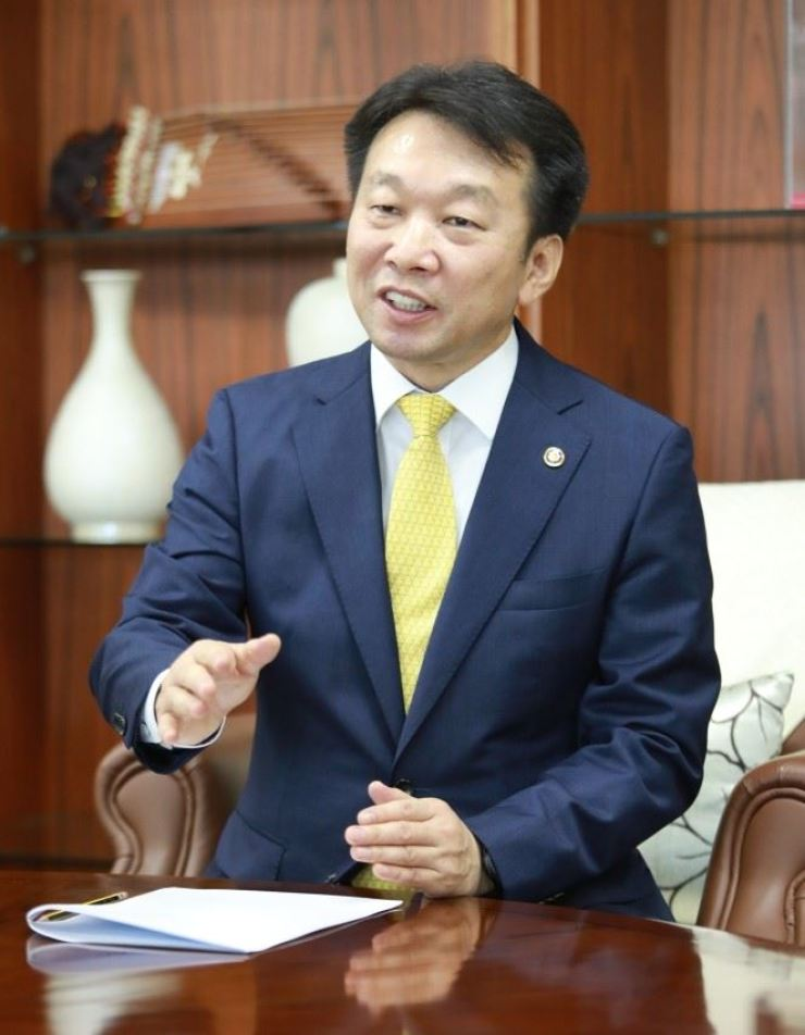 Public Procurement Service (PPS) administrator Jung Moo-kyung speaks at his office in Daejeon, Nov. 14. Courtesy of PPS