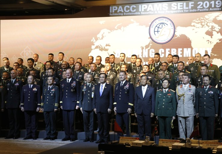 Military chiefs and senior commanders from 28 pacific countries attend the annual Indo-Pacific Army Chiefs Conference (IPACC) 2019 in Bangkok, Thailand, Sept. 9. The annual defense chiefs' conference was held from Sept. 9 to 11. EPA-Yonhap