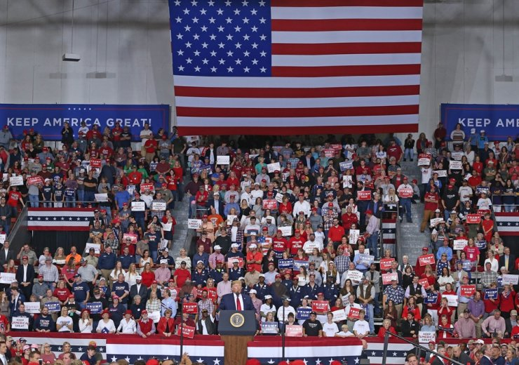 U.S. President Donald Trump speaks during a 'Keep America Great' rally at the Monroe Civic Center in Louisiana on Wednesday. The U.S. under Trump's leadership sees its role on the world stage dwindling.  /AFP-Yonhap