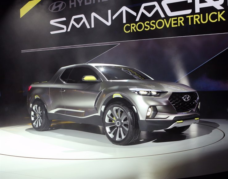 Hyundai Motor's Santa Cruz Concept Company Utility Vehicle displayed at the 2015 Detroit International Auto Show / Courtesy of Hyundai Motor