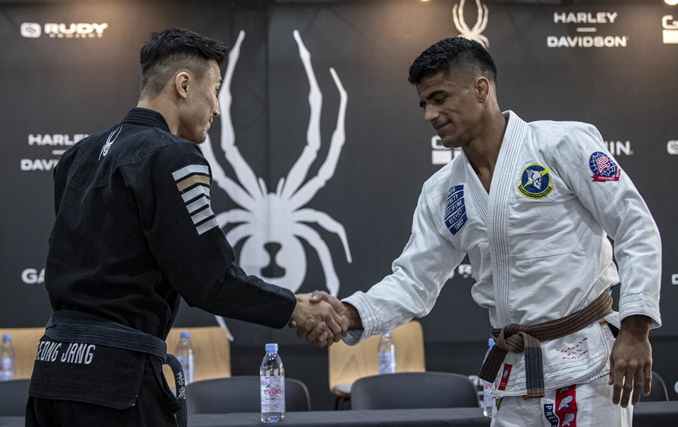 They are over the tops in the world of Brazilian jiu-jitzu. And the martial artists are here in Seoul for the Spyder Invitational BJJ Championship Final subtitled 'King of Kings.' Hosted by sportswear brand Spyder Korea, this year's tournament on Saturday at KBS Arena in Seoul's Gangseo District has invited eight athletes from -76kg and -100kg each, who had battled through preliminaries. At the press conference held at Spider Korea headquarters in Nonhyun-dong area in Seoul's Gangnam District on Friday, Rodolfo Vieira from Brazil listens to a journalist's question. Korea Times photo by Shim Hyun-chul