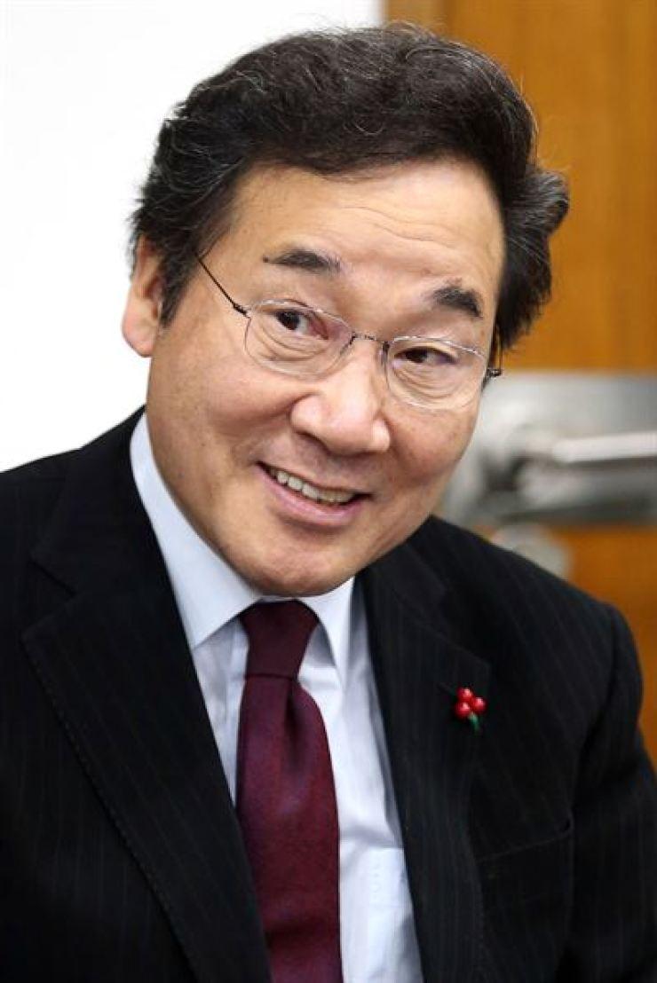Prime Minister Lee Nak-yon