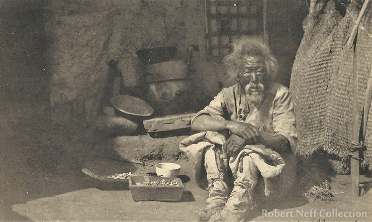 Lee Choon-gwang circa 1910. Robert Neff Collection