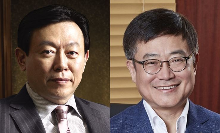 Lotte Group Chairman Shin Dong-bin, left, and Lotte retail business unit head Kang Hee-tae