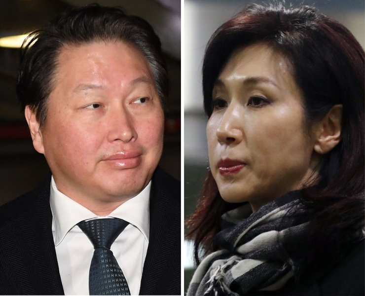 SK Group Chairman Chey Tae-won, left, and his wife Roh So-young / Yonhap