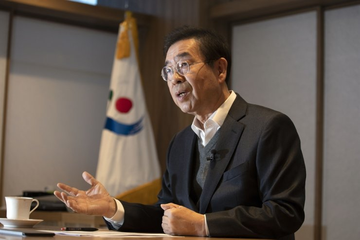 Seoul Mayor Park Won-soon speaks during an interview with The Korea Times at his office, Nov. 27. / Korea Times photo by Choi Won-suk