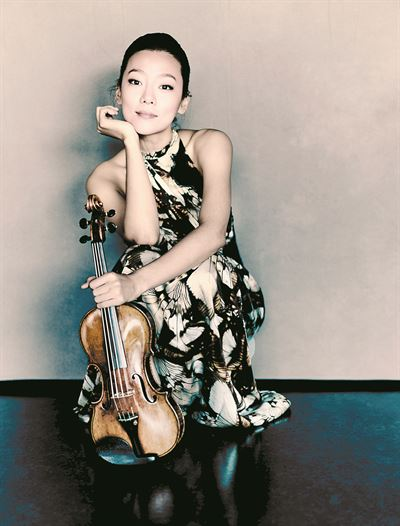 Seoul Philharmonic Orchestra and maestro Chung Myung-whun will present a New Year's concert at 5 p.m. on Jan. 4 at the Grand Theater in Sejong Center for the Performing Arts. Courtesy of Sejong Center for the Performing Arts