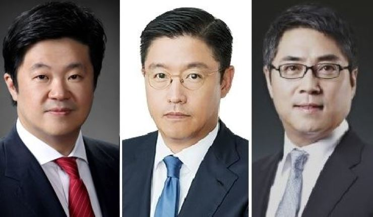 From left are MBK Partners Chairman Kim Byung-ju, Hahn & Company CEO Hahn Sang-won and IMM Private Equity founder Song In-jun. / Courtesy of each company