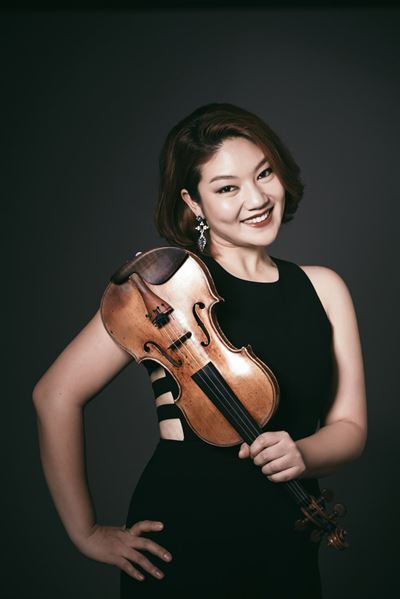 Violinist Cho Jin-joo poses for a photo during a roundtable interview in central Seoul, Thursday. She will perform her own recital on the evening of Dec. 11 at the IBM Chamber Hall in Seoul Arts Center. Courtesy of Bom Arts Project