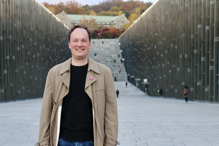 Thomas Kalinowski, an associate professor at Ewha Womans University's Graduate School of International Studies. He recently had an interview with The Korea Times over the government's anti-corruption policies and international evaluations of them. Courtesy of Thomas Kalinowski