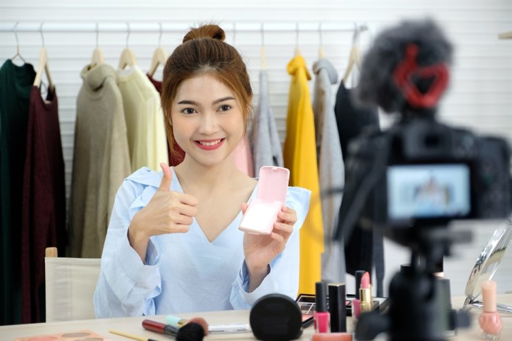 YouTuber is among the jobs Korean elementary school students most want to have when they grow up, according to a recent survey. Gettyimagesbank