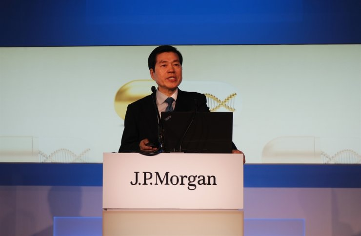 Samsung BioLogics CEO Kim Tae-han speaks during last year's J.P. Morgan Healthcare Conference in San Francisco, Jan. 10, 2019 (KST). Kim will attend this year's conference too to assuage investors' concern on risks stemming from the company's alleged accounting fraud. Courtesy of Samsung BioLogics