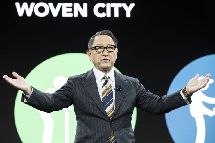 Toyota CEO Akio Toyoda delivers a speech presenting the Toyota Woven City, a futuristic city where new technologies will be tested, during the Toyota press conference at the 2020 Consumer Electronics Show in Las Vegas, Monday (local time). EPA-Yonhap