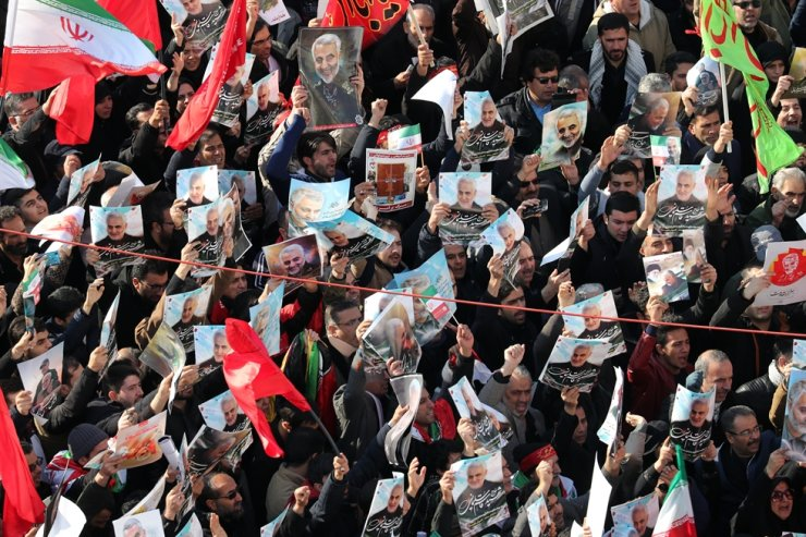 Iranians attend the funeral ceremony of slain Iranian Revolutionary Guards Corps Lieutenant general and commander of the Quds Force Qasem Soleimani and of other victims in Tehran, Iran, Jan. 6, 2020. EPA-Yonhap