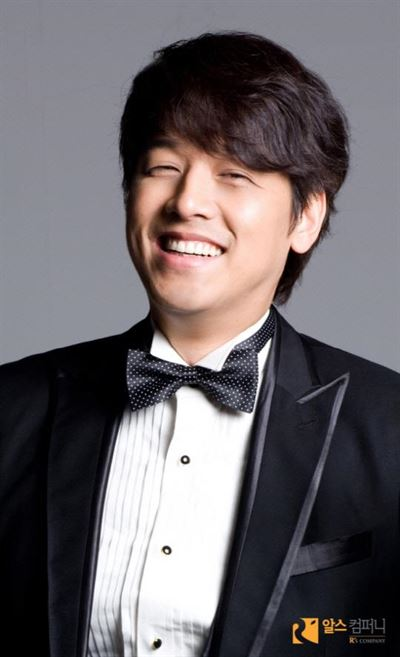 Actor Ryu Si-won will marry in mid-February. Courtesy of R's Company.