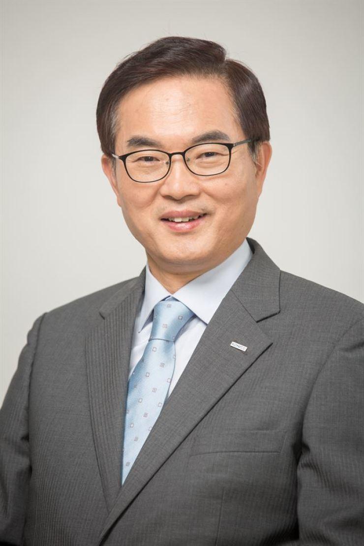 KOMSCO CEO Cho Yong-man