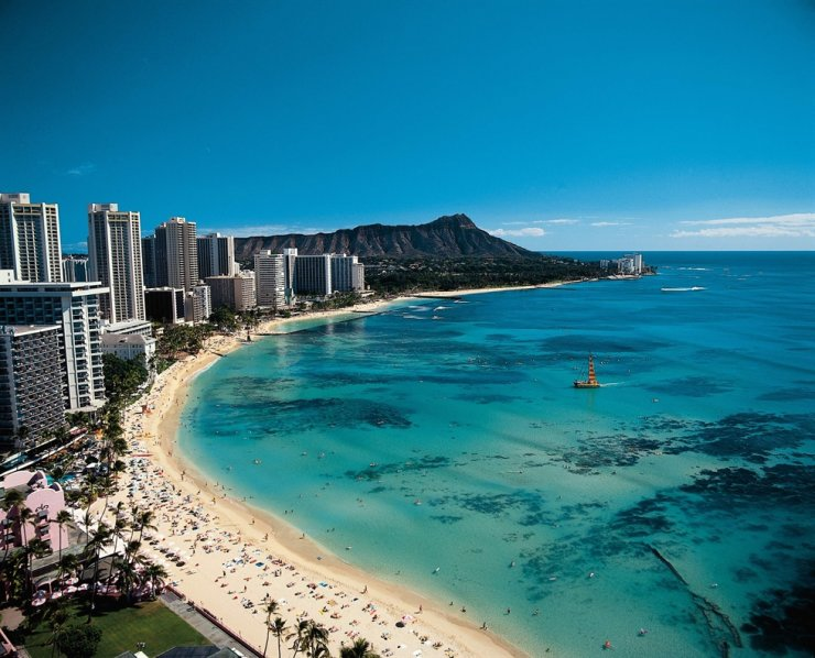 Waikiki beach in Honolulu of Hawaii / Courtesy of HanaTour