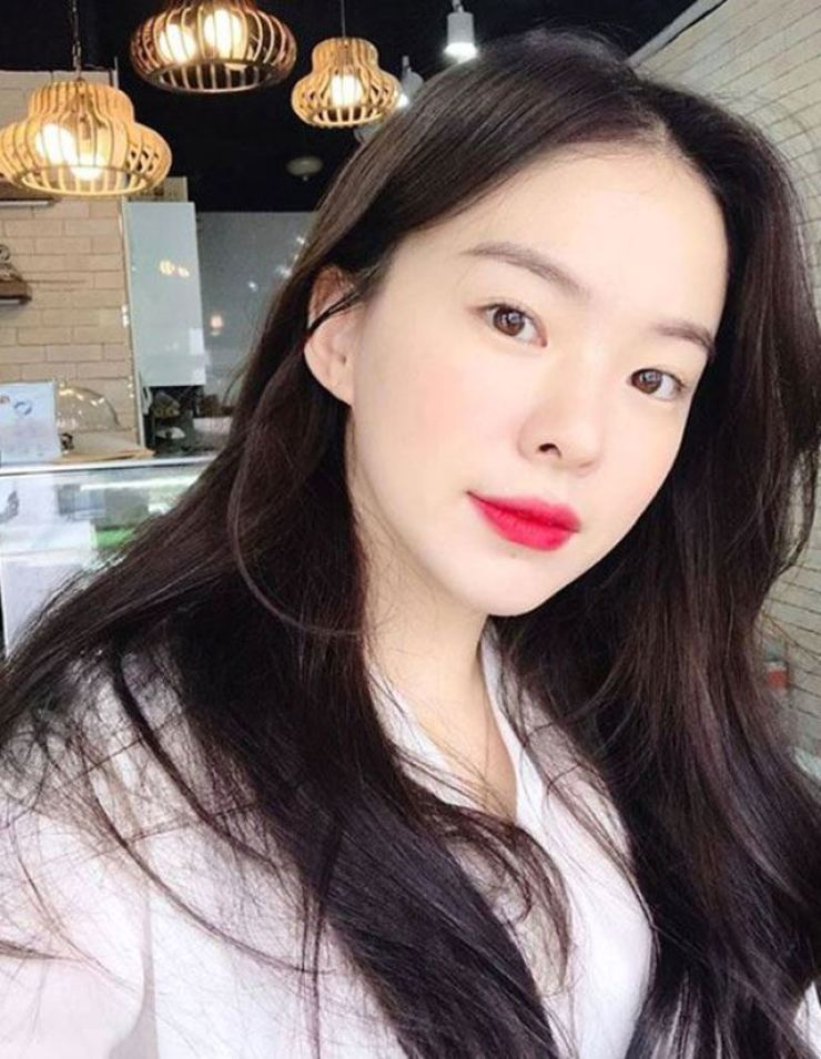 Popular beauty YouTuber and shopping mall owner Haneul. Captured from Haneul's Instagram