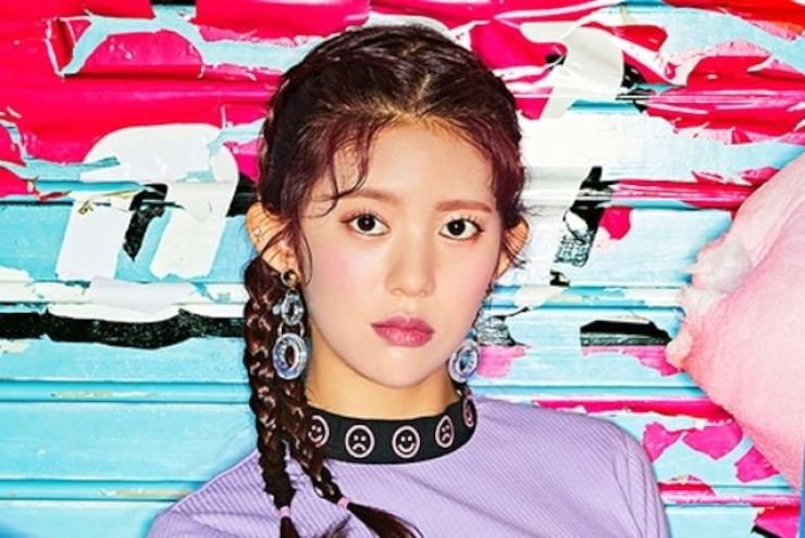 Girl group Momoland's former member Daisy has accused the group's agency MLD Entertainment of manipulating the member selection process on its 2016 audition show 'Finding Momoland.' Korea Times file